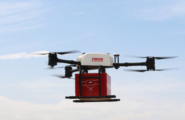[新聞] UPS用自駕車、無人機 強化物流業務